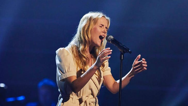 Esther Cole takes the UK by storm on The Voice